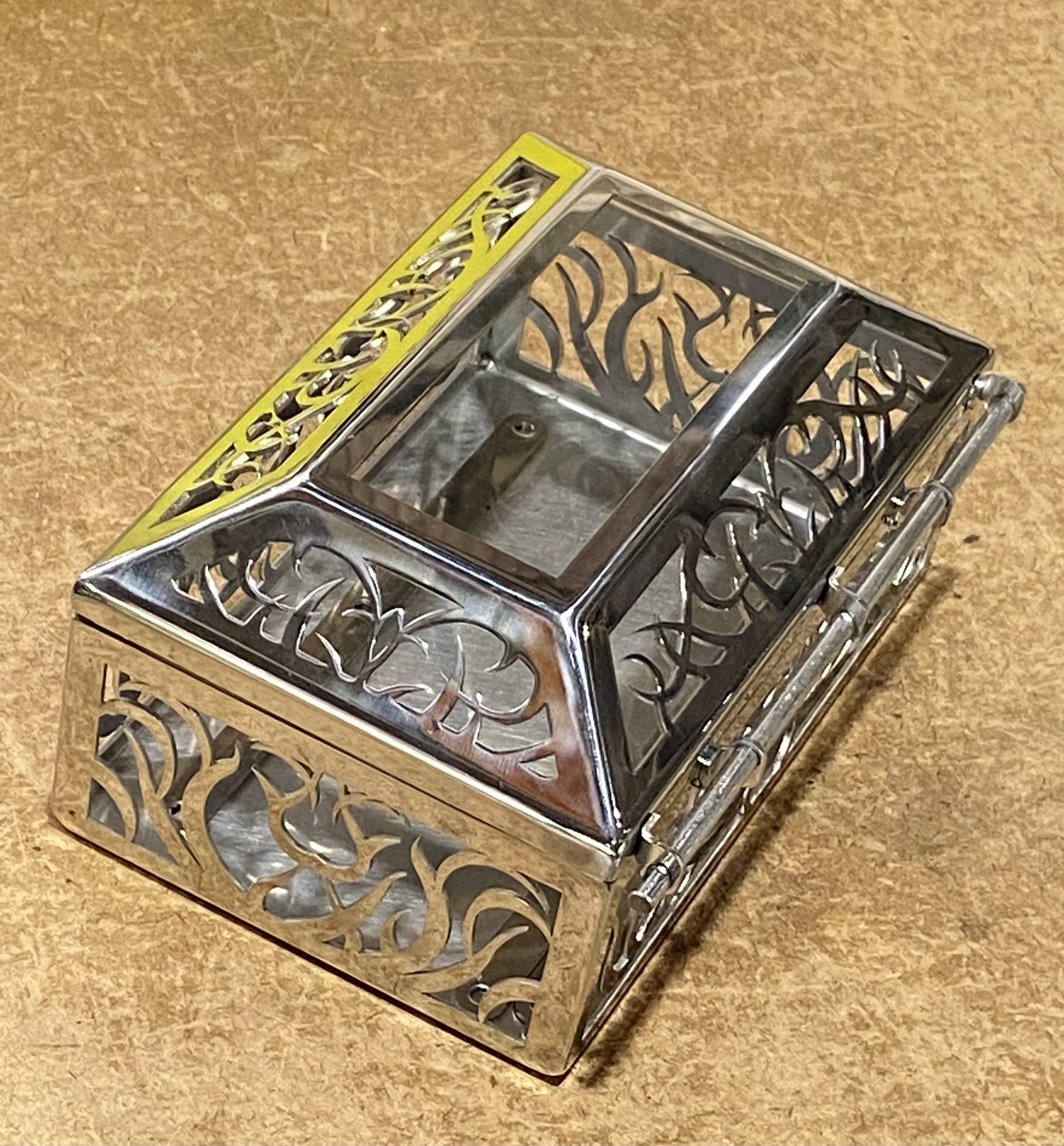 精密板金部品 レーザー加工 溶接 全面バフ仕上げ オルゴールケース