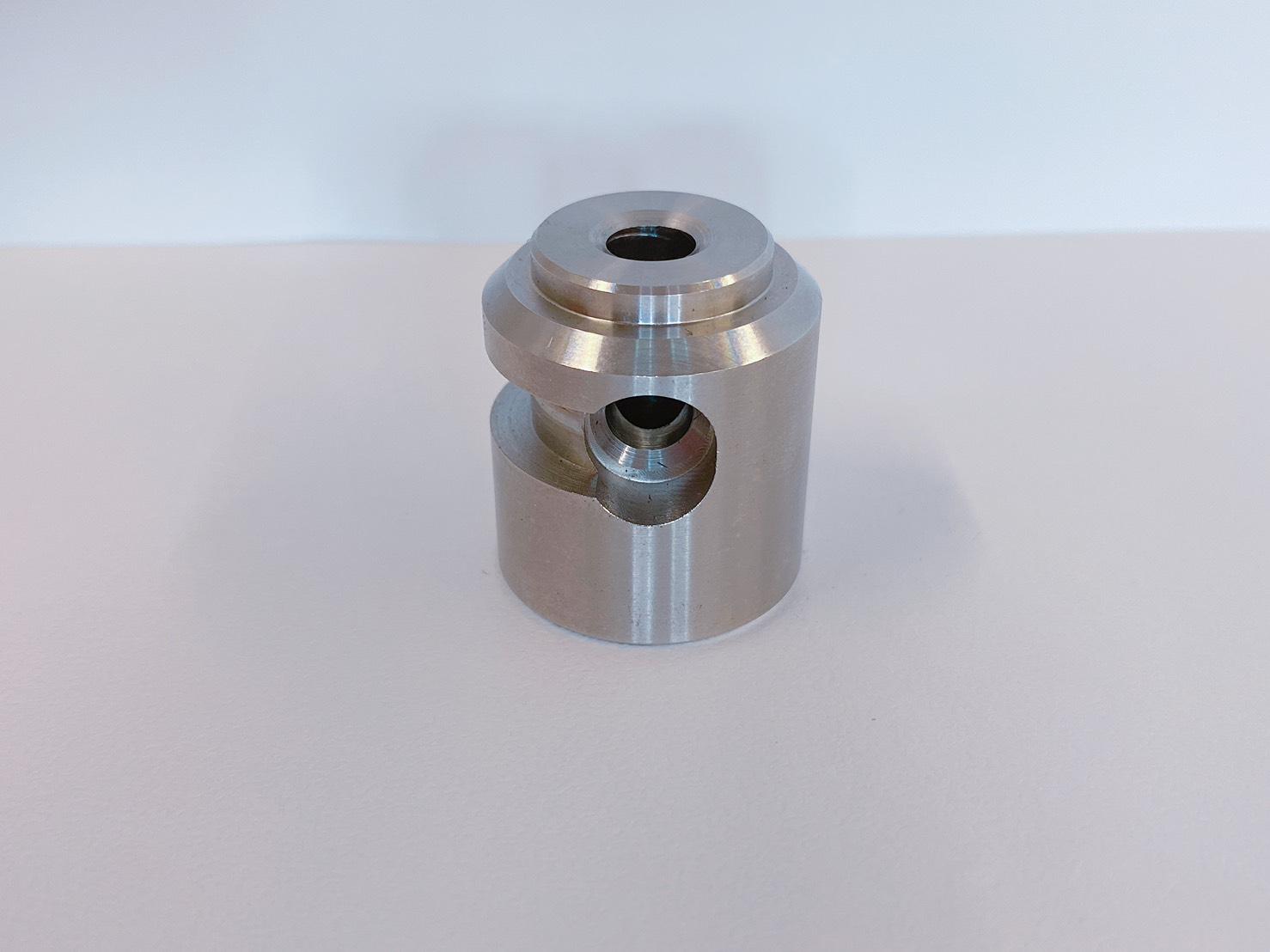 切削加工部品 介護機器部品 SUS304 複合加工機